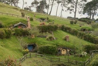hobbit köyü - hobbit yamaç evleri