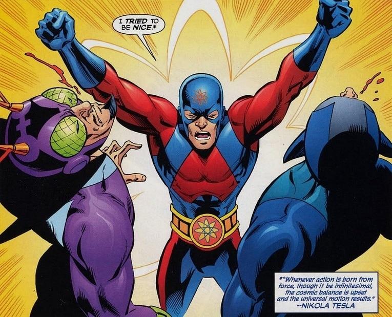 Ray'in DC evreninden kaybolmasından sonra Identiy Crisis de yeni Atom olarak fizikçi kahraman Ryan Choi ortaya çıkıyor. Choi'nin yeni bir kostümü ve belirgin bir kemeri mevcut.