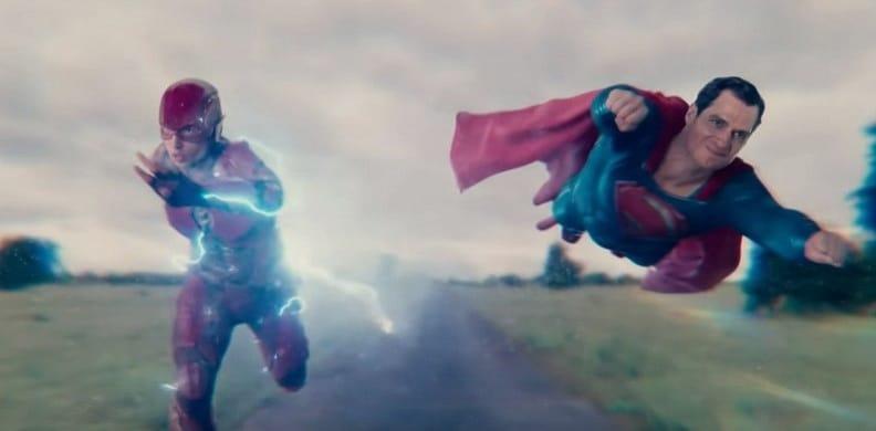 FLASH mı Daha Hızlı, SUPERMAN mi